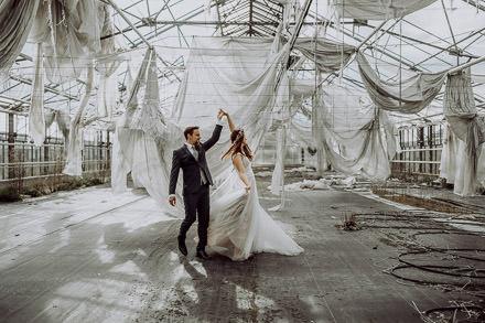Kirchliche Hochzeit in Erfurt // Shooting im Lost Places Gewächshaus